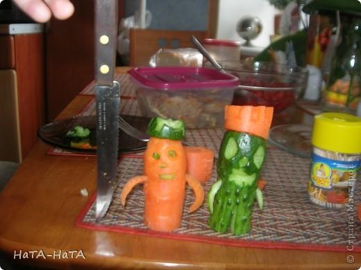 Это мой огуречный человек! У него морковная корона. фото 3