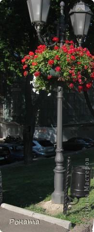 Вот и заключительная часть фоторепортажа о нашей с сыном поездке в Одессу. Фотографировала много, но везде на фото от палящего солнца морщится сын :))) Поэтому выбрала немножко фотографий с прогулки после дельфинария (http://stranamasterov.ru/node/207600). Конечно же мы прогулялись по берегу моря, помочили ножки, собрали ракушек и отшлифованных стеклышек. Помню, в детстве мне очень нравилось собирать именно такие стеклышки, разных цветов, форм и размеров.  Потом мы прогулялись в парке им. Шевченко. фото 8