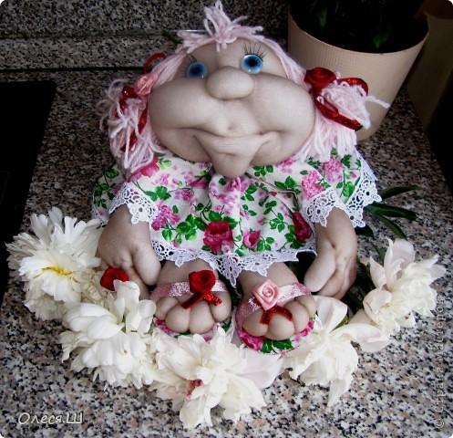 Ура!!!! Насмотрелась мастер классов Елены (pawy в стране мастеров) и вот воодушевилась на создание куколки. Вот такая у меня получилась девчушка)))) Я назвала её Розочкой. Делюсь с вами радостью)))) фото 2