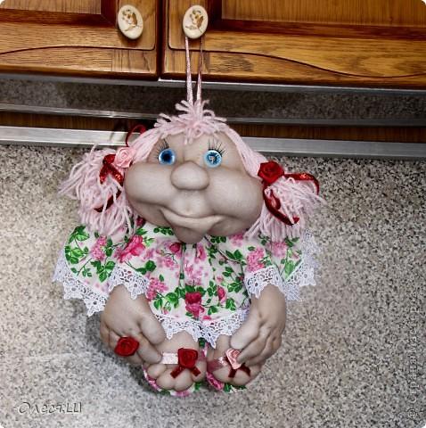Ура!!!! Насмотрелась мастер классов Елены (pawy в стране мастеров) и вот воодушевилась на создание куколки. Вот такая у меня получилась девчушка)))) Я назвала её Розочкой. Делюсь с вами радостью)))) фото 4