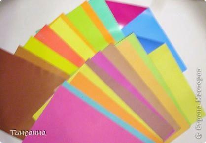 Стороны  листов окрашены в разные цвета. Здесь два набора- глянцевая и матовая бумага. фото 2