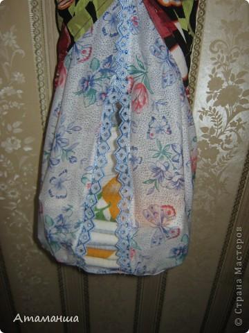Я такая Лапочка, Я такая ЦАЦА!!! На меня, красавицу, Только любоваться!!! Вот такая юбочка, Вот такое платье! Сейчас накрашу губочки И пойду гулять я!!! фото 3
