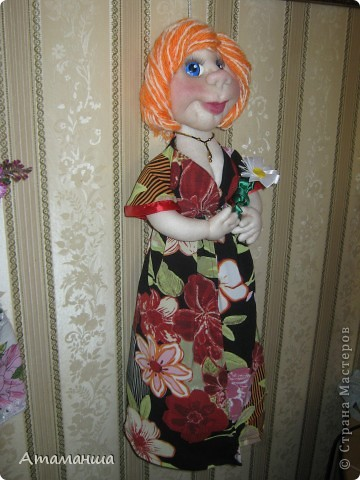 Я такая Лапочка, Я такая ЦАЦА!!! На меня, красавицу, Только любоваться!!! Вот такая юбочка, Вот такое платье! Сейчас накрашу губочки И пойду гулять я!!! фото 4