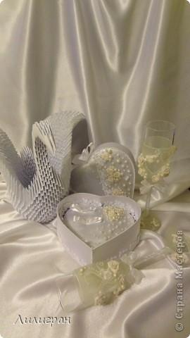 Готовлюсь к своей свадьбе=))) Вот уже сделала бокальчики, шкатулочку для колец и лебедя, пока одного (второй в процессе)...  фото 1