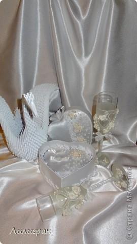 Готовлюсь к своей свадьбе=))) Вот уже сделала бокальчики, шкатулочку для колец и лебедя, пока одного (второй в процессе)...  фото 5
