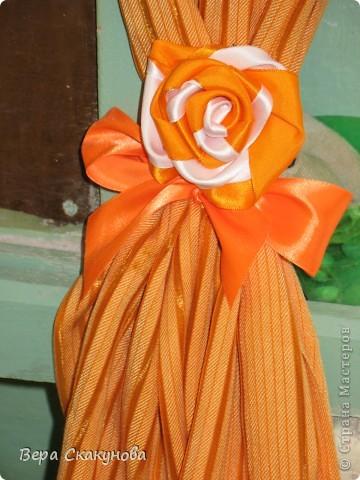 Роза с бантом на шторы
