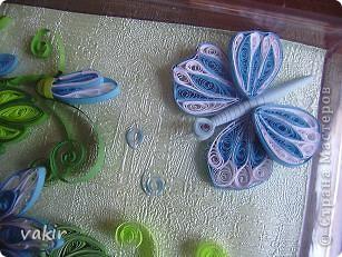 На создание этой композиции меня вдохновили синие цветы Ольги V  http://stranamasterov.ru/node/170589?c=favorite , правда, я их сделала по-своему. Поместила я её в коробку из-под конфет, которую рука не поднялась выбросить, вдруг пригодится... Вот и пригодилась! фото 5