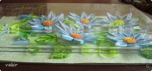 На создание этой композиции меня вдохновили синие цветы Ольги V  http://stranamasterov.ru/node/170589?c=favorite , правда, я их сделала по-своему. Поместила я её в коробку из-под конфет, которую рука не поднялась выбросить, вдруг пригодится... Вот и пригодилась! фото 3