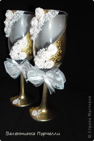 На этом фото розы смотрятся,как белые.Но я их перепекла.И оттенок у них получился очень красивый. фото 1