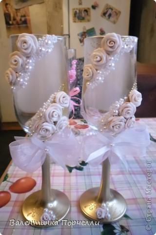 На этом фото розы смотрятся,как белые.Но я их перепекла.И оттенок у них получился очень красивый. фото 2