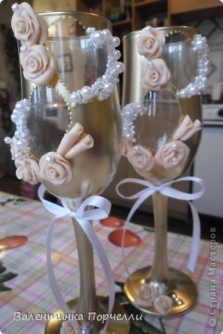 На этом фото розы смотрятся,как белые.Но я их перепекла.И оттенок у них получился очень красивый. фото 7