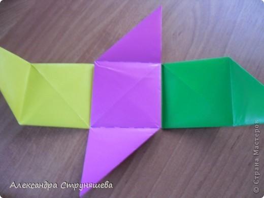 1.Приготовим 6 одинаковых квадратных листов бумаги. фото 24