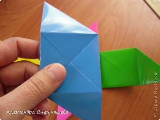 1.Приготовим 6 одинаковых квадратных листов бумаги. фото 25