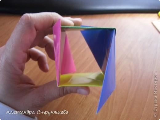 1.Приготовим 6 одинаковых квадратных листов бумаги. фото 29