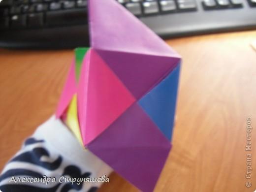 1.Приготовим 6 одинаковых квадратных листов бумаги. фото 32