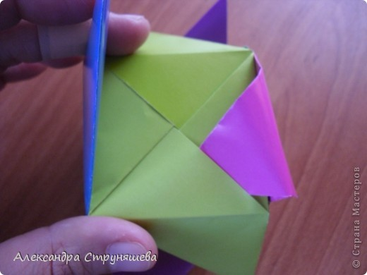 1.Приготовим 6 одинаковых квадратных листов бумаги. фото 34