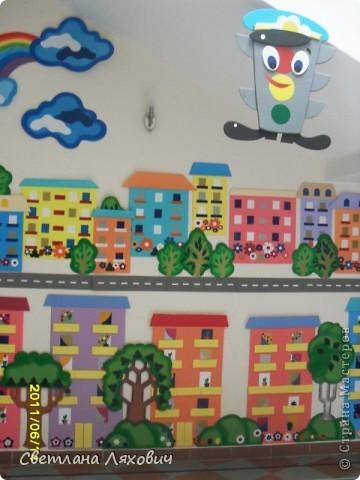 уголок по ПДД в детском саду фото 1