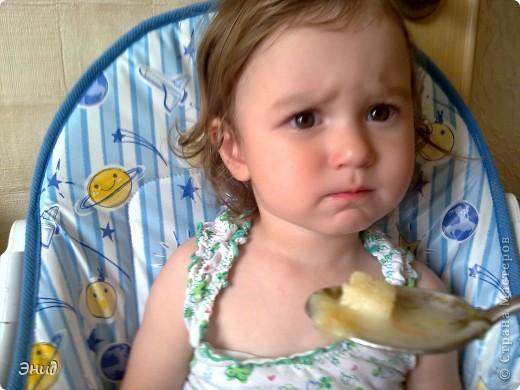 Гренки- это мои помошники в таком нелегком деле, как накормить мою капризульку. С ними она кушает всё!!! фото 3