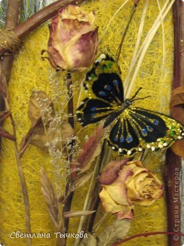 """Рама из связанных между собой веток салеха,основа-сизалевое волокно,украшение-""""""""покупные""""""""бабочки. фото 3"""