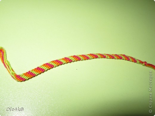 фенечки из мулине  браслет дружбы (косое плетение) фото 14