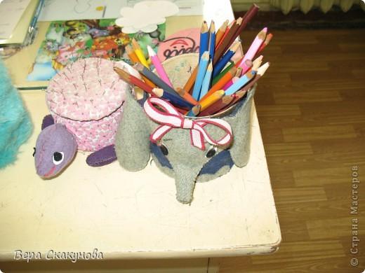 1. Черепашка коробочка и игольница  2. Слоник карандашница