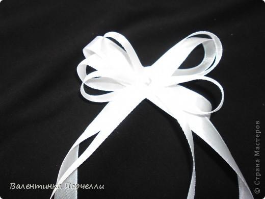Нам понадобятся-ножницы,ленты различные,нитки,иголка,иголка-булавка,бусины. фото 17