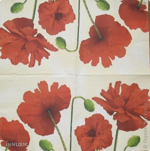 Не знаю краше ангельских цветов,  Которые зовутся красным маком ...  Нежнее не встречала лепестков -  Блестящих, как покрытых лаком...   Вот такую досочку мне  захотелось сделать летом))). Ниже даю описание своей работы. фото 4