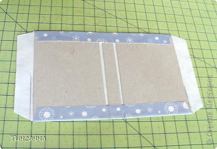 Посмотрела МК Анки Партизанки http://stranamasterov.ru/node/145357?tid=451 и попробовала сделать по нему блокнотики. Блокнот с розами сделан как в МК, а блокнот со стрекозой имеет на 10листов больше. Ниже расскажу как его сделала. фото 6
