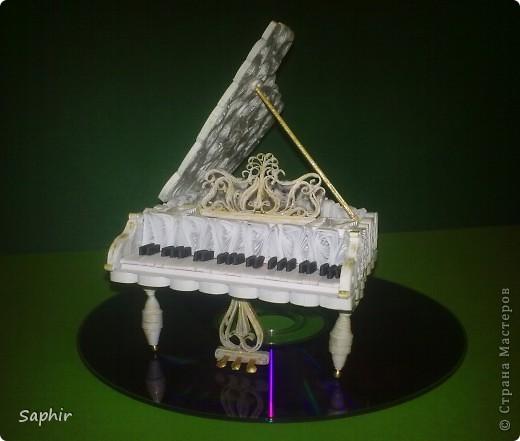 Давно уже, глядя на рояли в Стране, собиралась сделать свой. Вот что у меня получилось     фото 1