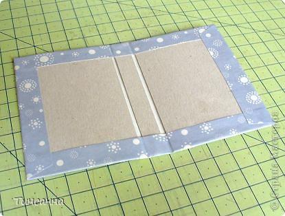 Посмотрела МК Анки Партизанки http://stranamasterov.ru/node/145357?tid=451 и попробовала сделать по нему блокнотики. Блокнот с розами сделан как в МК, а блокнот со стрекозой имеет на 10листов больше. Ниже расскажу как его сделала. фото 8