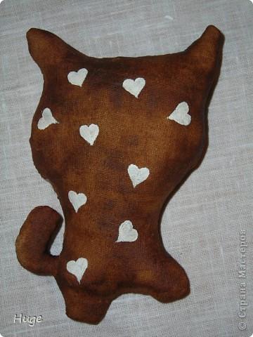 Попался мне в интернете мастер-класс по чердачной игрушке http://www.liveinternet.ru/users/anny_95/post136302163/   и решила я попробовать. Оказалось очень интересно. Пахнет котик обалденно!!!!! Кофе и ванилью.  фото 2