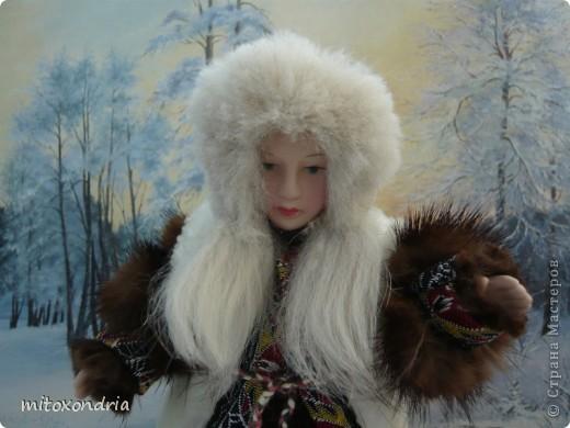 Мне очень хотелось иметь куклу в национальной ненецкой одежде, я несколько раз видела таких, но в продаже не встречала. И решила сделать сама! фото 4