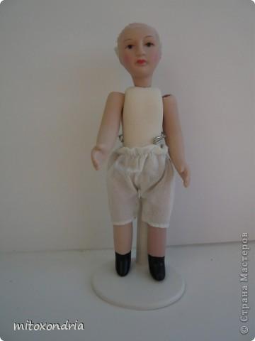 Мне очень хотелось иметь куклу в национальной ненецкой одежде, я несколько раз видела таких, но в продаже не встречала. И решила сделать сама! фото 3