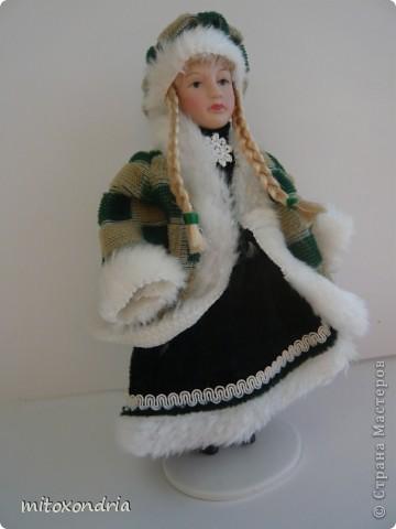 Мне очень хотелось иметь куклу в национальной ненецкой одежде, я несколько раз видела таких, но в продаже не встречала. И решила сделать сама! фото 2