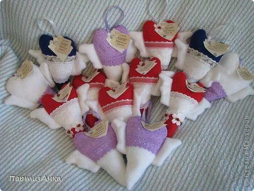 """Привет, Страна! Насмотревшись на тильдо-сердечки, решила сделать """"сердечную""""коллекцию (ну не могу я шить ОДНО сердечко!). А тут и повод подвернулся - выпускной в садике сынишки. фото 7"""