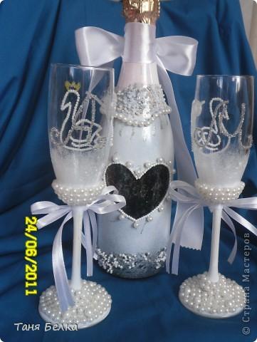 Вот такой набор сделала недавно на свадьбу ))) невеста была в восторге. Идея для декора фужеров взята из интернета (автора не помню) фото 4