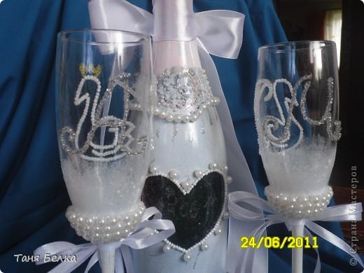 Вот такой набор сделала недавно на свадьбу ))) невеста была в восторге. Идея для декора фужеров взята из интернета (автора не помню) фото 5