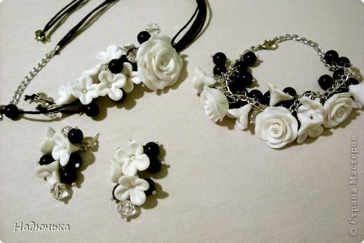 Украшения с розами и сиренью. фото 2