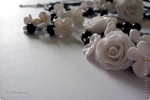 Украшения с розами и сиренью. фото 1