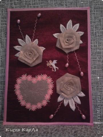 Подарок к дню Святого Валентина для любимого классного руководителя ! Делали вместе с мамой. Сердечко и ангелочек - машинная вышивка. Розочки - из органзы. Каркас - плотный картон. фото 2