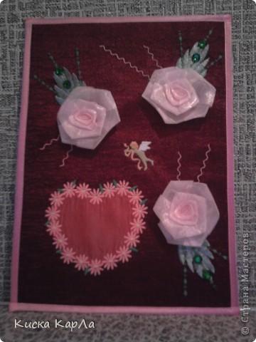 Подарок к дню Святого Валентина для любимого классного руководителя ! Делали вместе с мамой. Сердечко и ангелочек - машинная вышивка. Розочки - из органзы. Каркас - плотный картон. фото 1