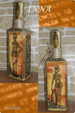 """Бутылочка """"Олива"""". Бутылка, мотивы 2-х салфеток, клей ПВА, грунт (акриловая интерьерная краска), акриловые краски для подрисовки, лак акриловый и паркетный алкидный. Бутылочку можно использовать по назначению))) фото 2"""