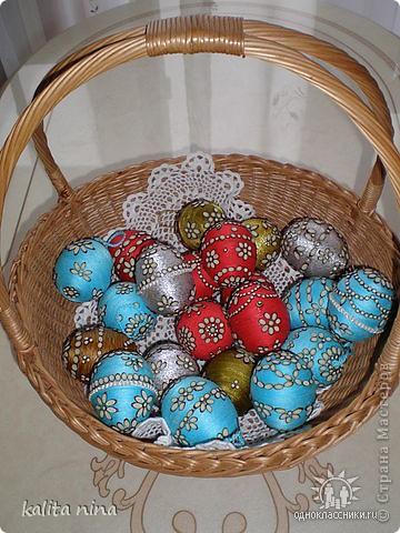 Корзинка с яйцами