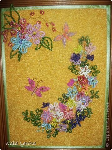 Цветы и бабочки из бисера фото 2