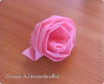 Очень много роз из салфеток видела на сайте. Есть  подробные МК. Спасибо за это мастерицам. Я же хочу поделиться немного другим способ создания роз из салфеток. Может его уже показывали, но я не нашла. фото 10