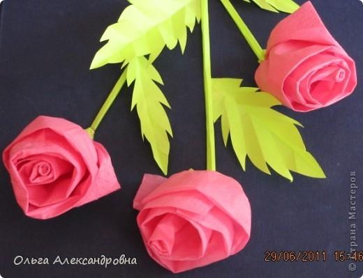 Очень много роз из салфеток видела на сайте. Есть  подробные МК. Спасибо за это мастерицам. Я же хочу поделиться немного другим способ создания роз из салфеток. Может его уже показывали, но я не нашла. фото 3