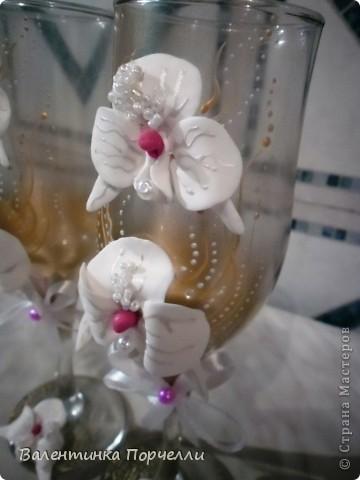 Белое платье,в бокалах ...., Горько гостям,а на сердце-легко. Вот обсыпают горстями монет Чтоб жить в достатке,богатстве,без бед фото 4
