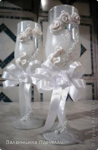 Белое платье,в бокалах ...., Горько гостям,а на сердце-легко. Вот обсыпают горстями монет Чтоб жить в достатке,богатстве,без бед фото 7