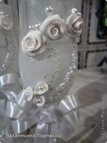 Белое платье,в бокалах ...., Горько гостям,а на сердце-легко. Вот обсыпают горстями монет Чтоб жить в достатке,богатстве,без бед фото 10