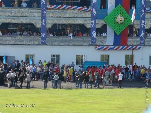 В Арзамасе прошел праздник с благотворительными футболом между московскими артистами и нижегородской властью, деньги от которого были отданы больным детям . фото 2